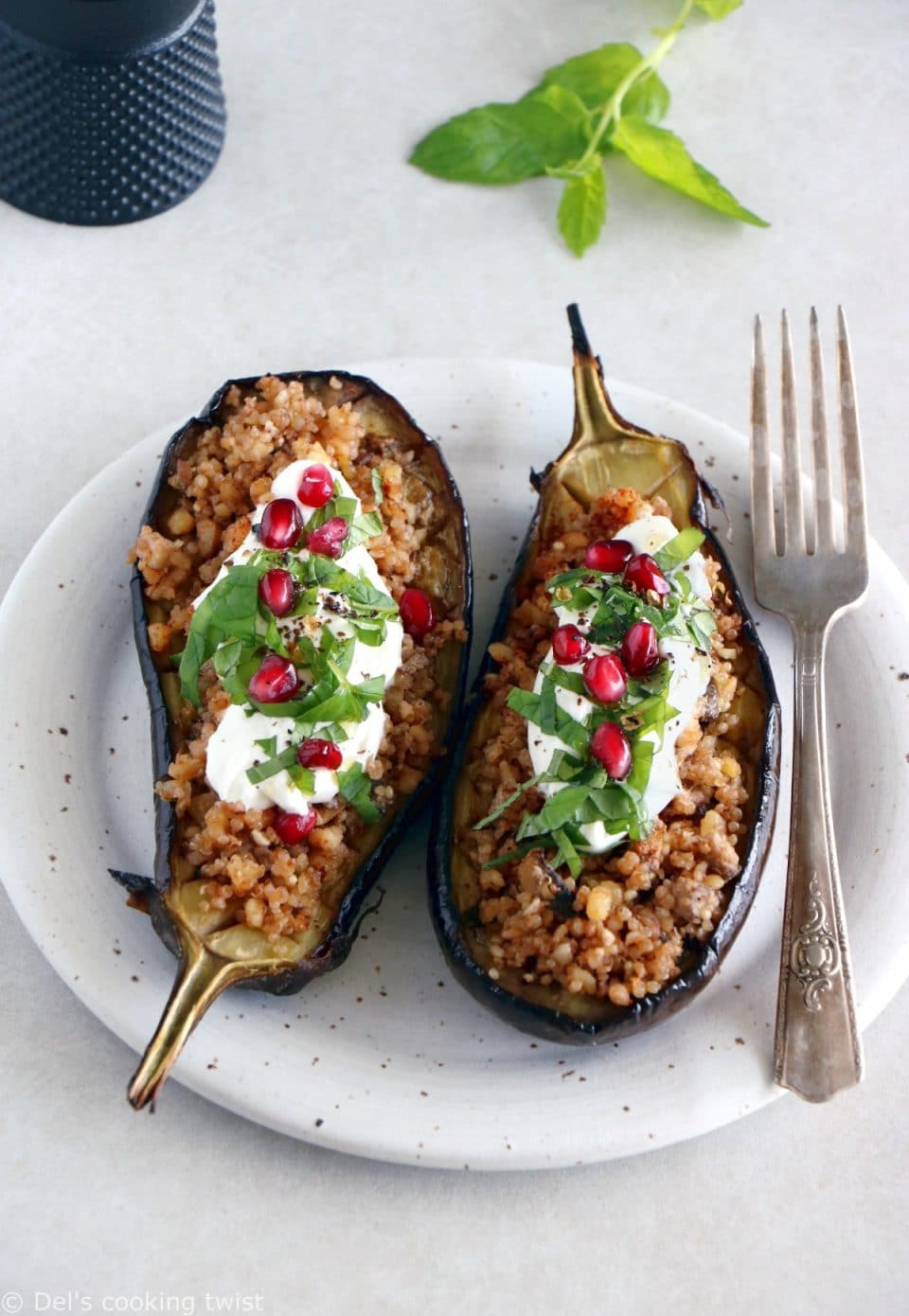 Stuffed eggplant with yogurt and quinoa