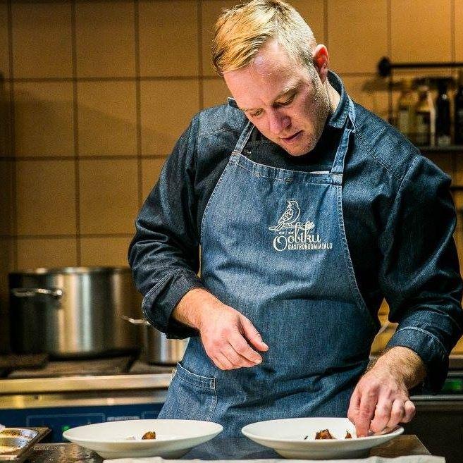 Chef Ants Uustalu preparing a delicious dish