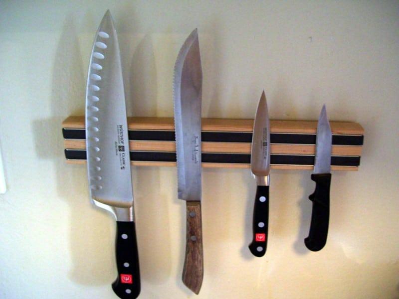 Knives holder