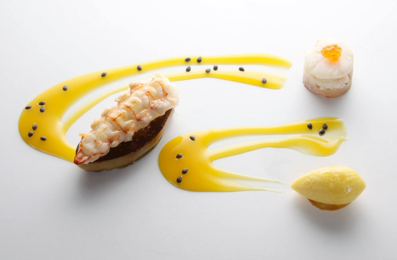 SCAMPI, GOOSE LIVER AND PASSION FRUIT