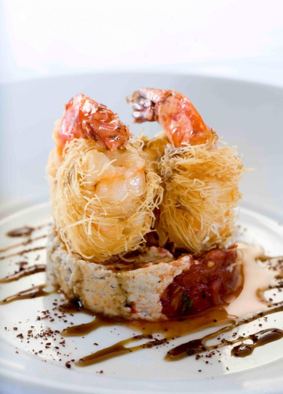KADAYIFLI KARIDES: KADAYIF WRAPPED KING PRAWNS ON WALNUT CAPSICUM DIP