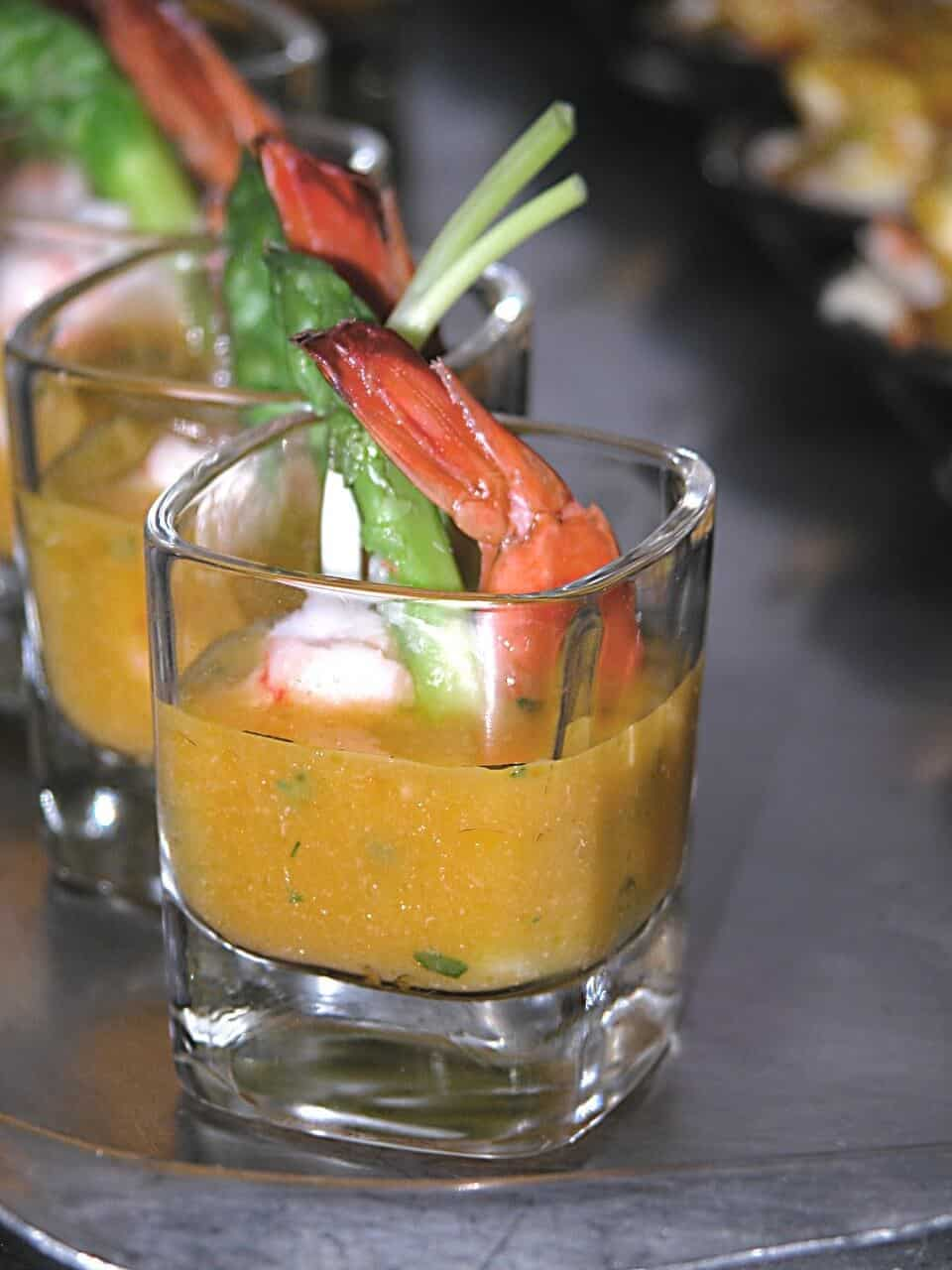 PRAWNS IN CARROT, LIME AND CILANTRO DIP
