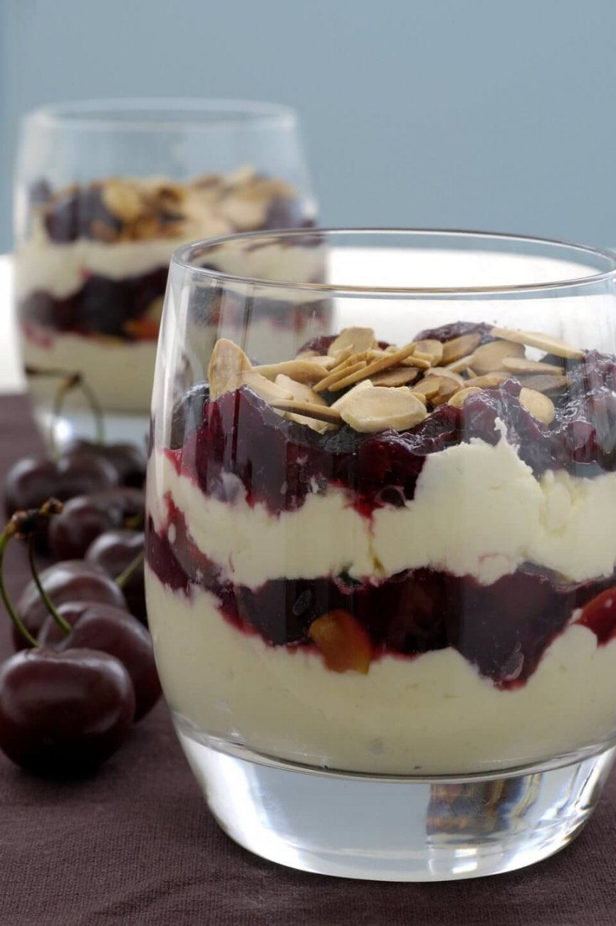 CHERRY, ALMOND AND MASCARPONE TRIFLE