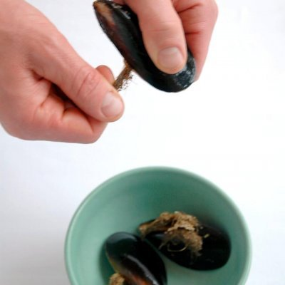 How to clean mussels