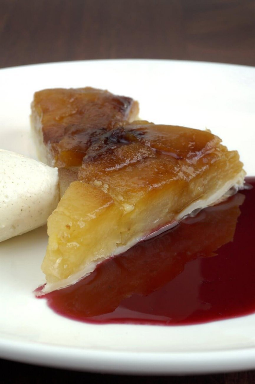 APPLE TARTE TATIN WITH CHAMBORD SYRUP AND CINNAMON CREAM