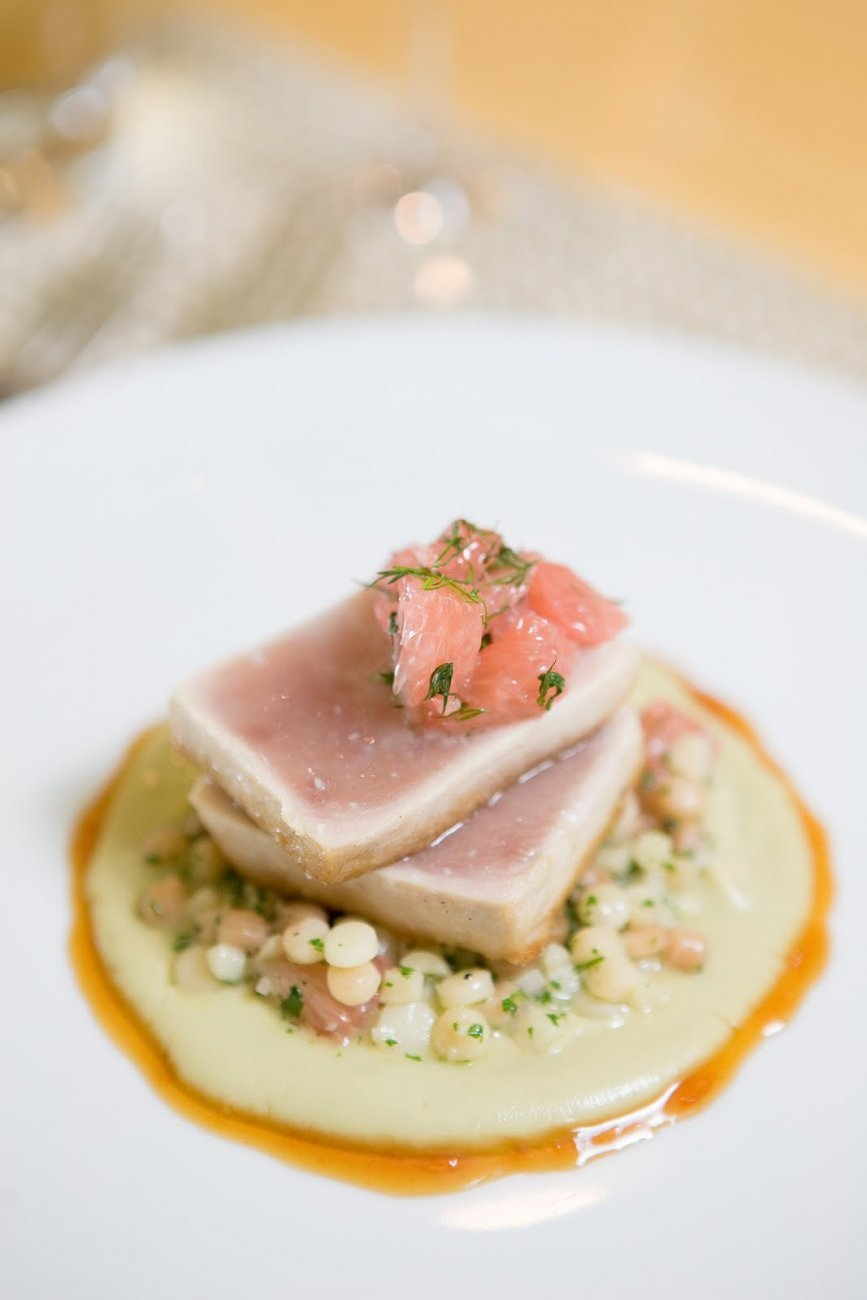ST. JUDE'S ALBACORE TUNA, AVOCADO, GRAPEFRUIT AND FREGOLA