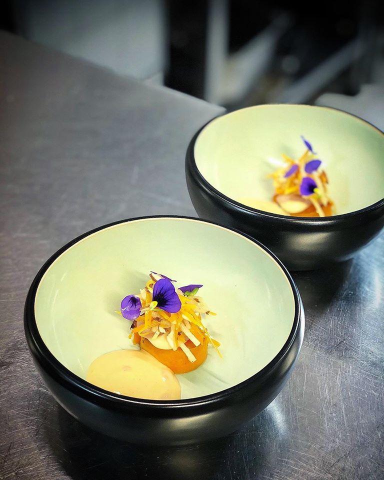 Pumpkin roasted in butter, 'Hiša Franko' Béarnaise sauce, sea urchin