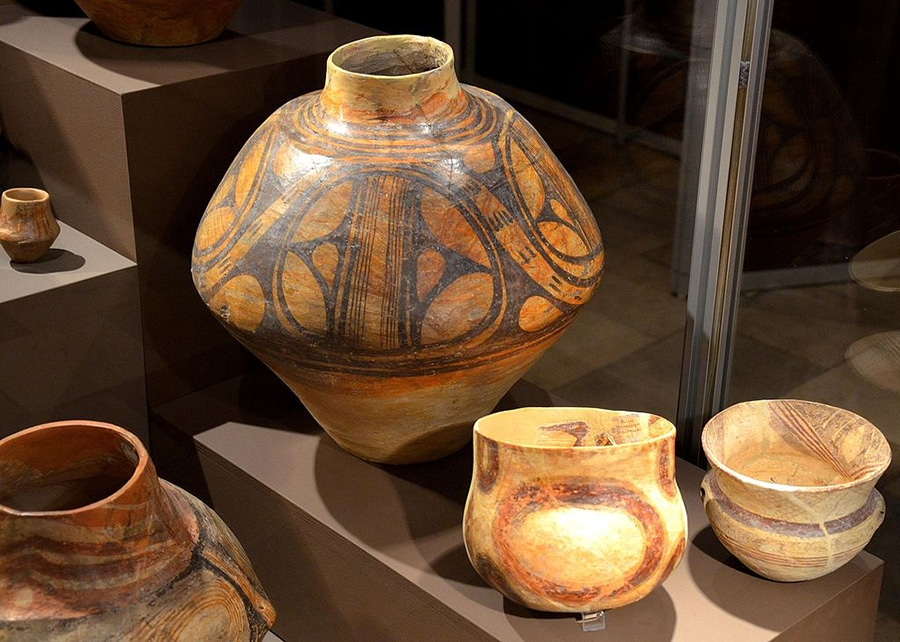 old pottery from Cucuteni culture