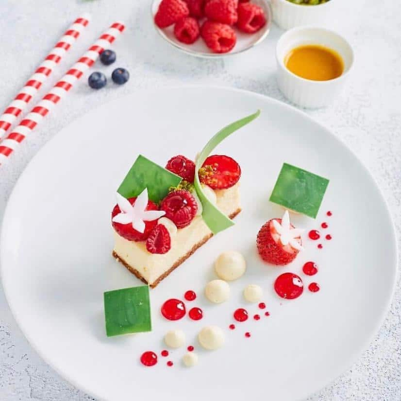 Fresh Berry New York Cheese Cake