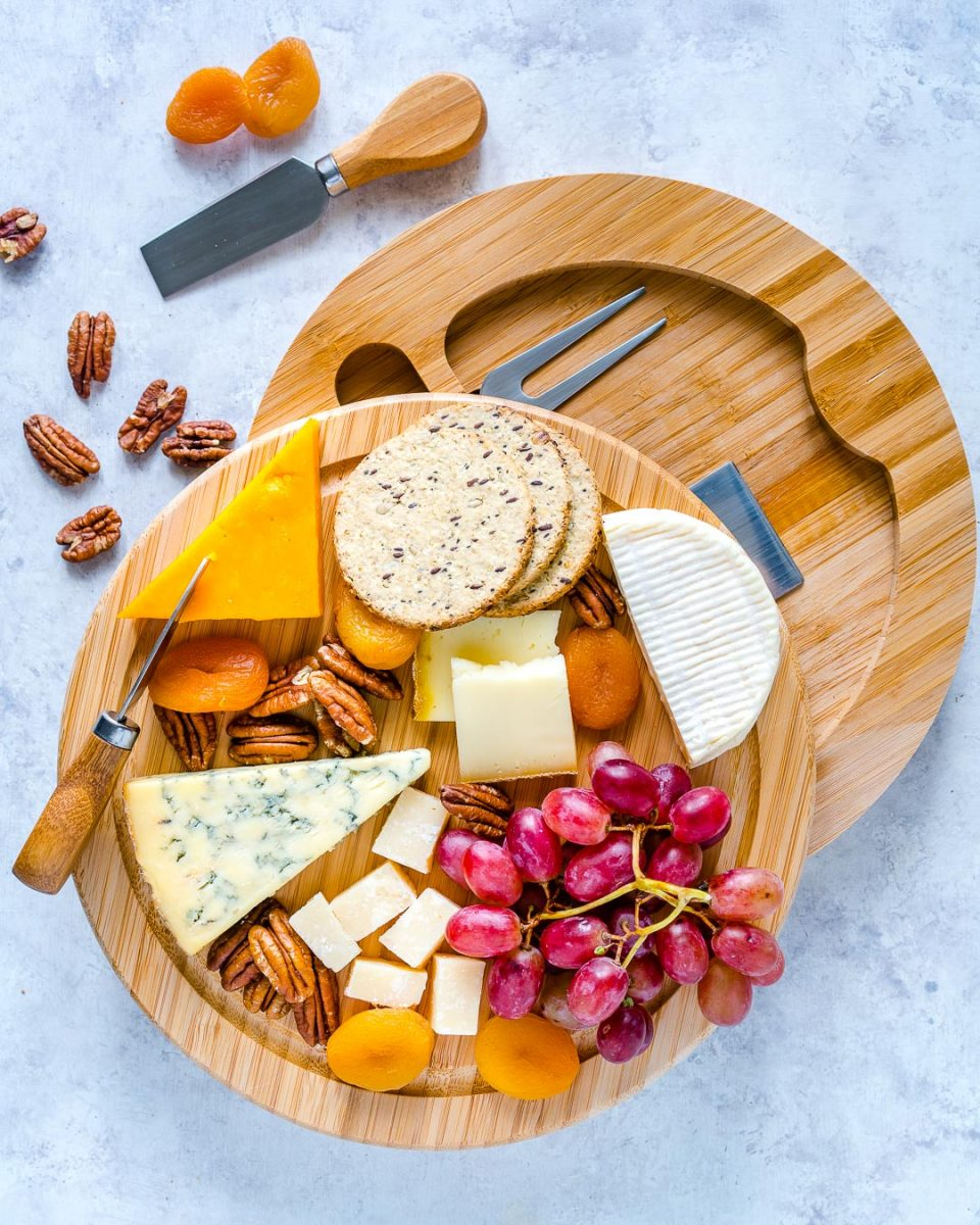 Cheese with crackers & fruits