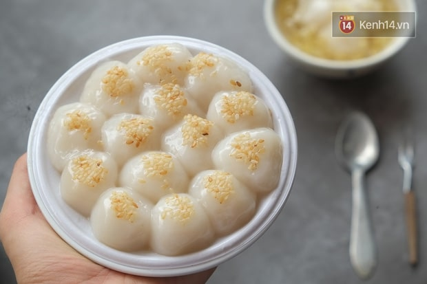 """Floating"" Rice Balls"