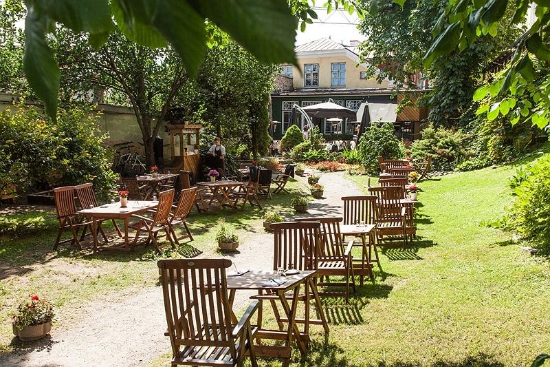 Leib Restaurant Garden
