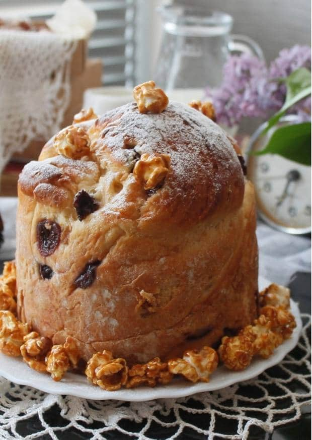 Ukrainean Babka/ Paska/ Easter Bread