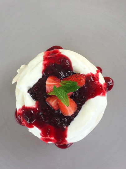 Pavlova with Yougurt and Berries!!