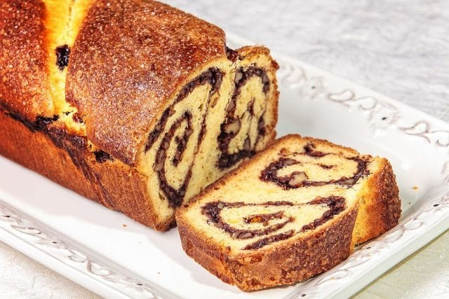 Spongecake with Walnuts