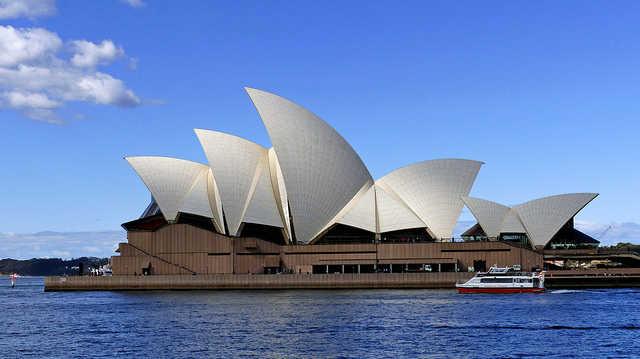 Sydney Opera House;