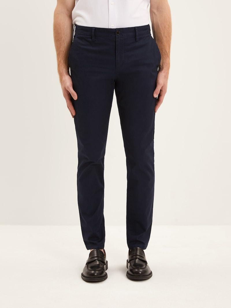 The Atwater Athletic Chino in Navy