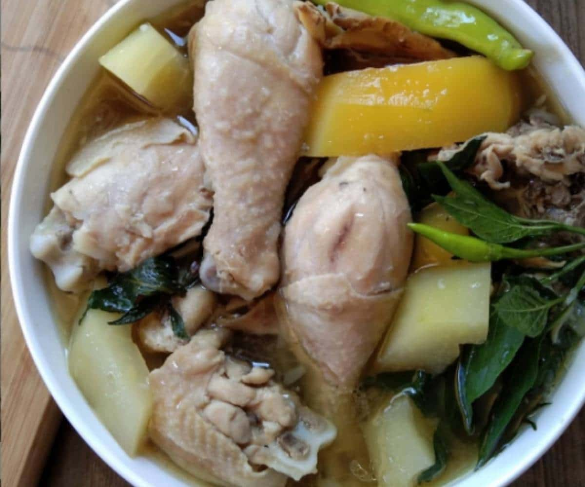 Tinolang Manok (Chicken Tinola)