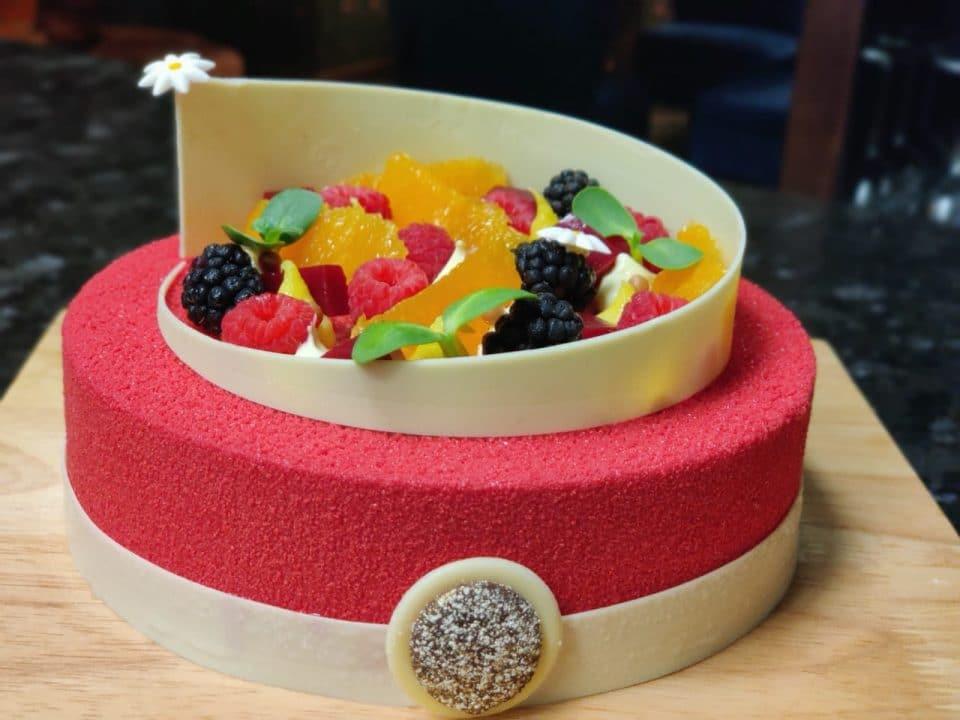 Vanilla Berries Cake