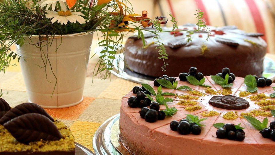 Enjoy a great cake at Roosiku home café; Photo credit: https://www.visitestonia.com/