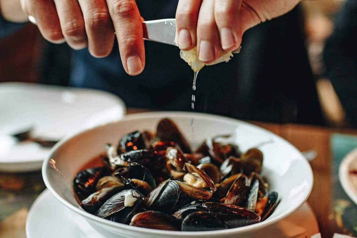 Mussels in White Wine Sauce | Mussels 'À Wellington'