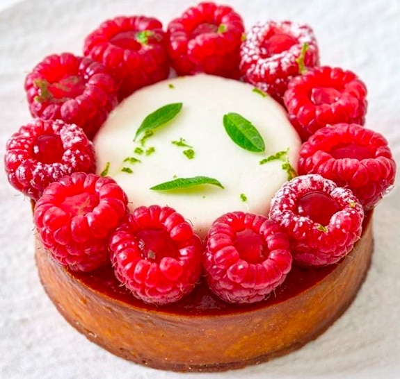 Small Raspberry-Verbena Pie